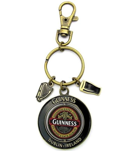 Guinness Classic Collection Spinner Key-ring with two charms (sg 5611 red card)