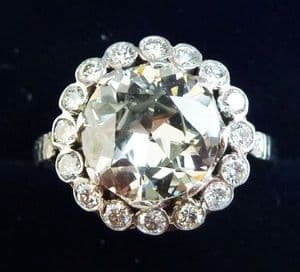 Stunning art deco platinum 2.55ct VVS2 and 0.40ct diamond daisy vintage antique cluster ring