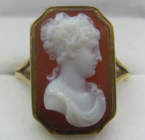 Superb 19th Century Victorian 18ct gold carved cameo  hardstone cornelian ring