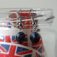 Seal Dangle Earrings