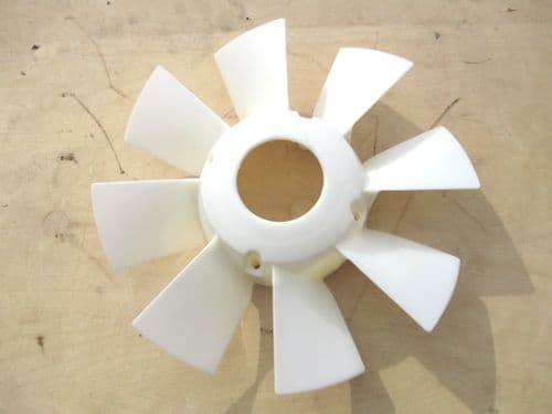 Radiator fan, for models without additional electric fan