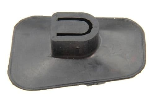 Rubber dust cover for clutch fork