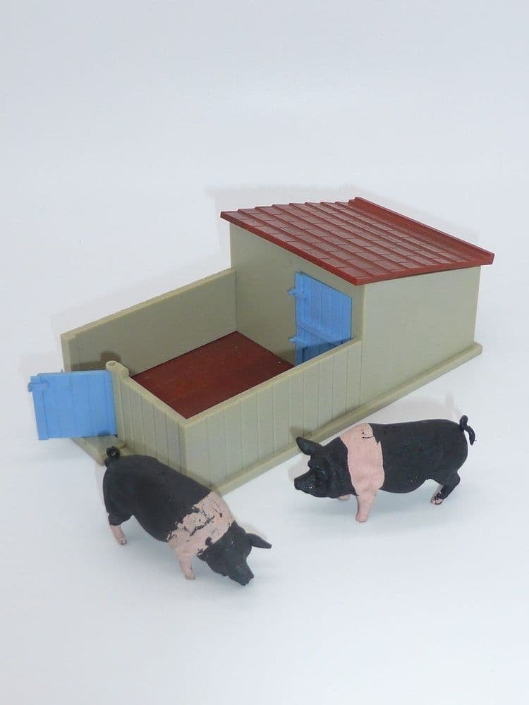 Britains Vintage Plastic Pig Sty WB4707 and 2 Pigs