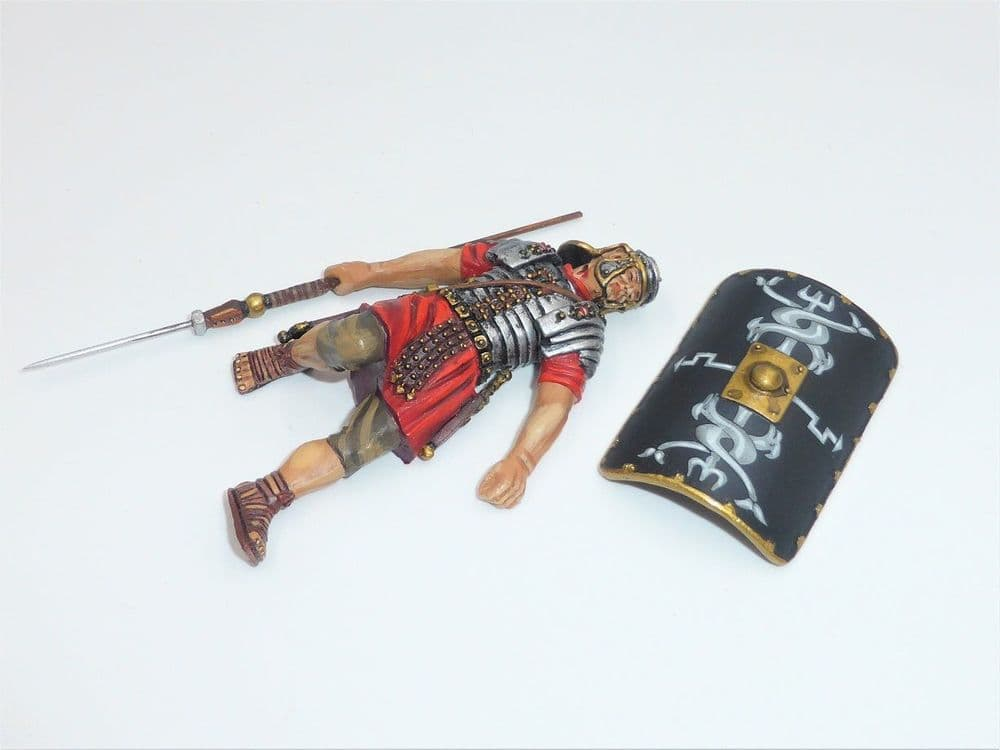 THOMAS GUNN  ROM009B ROMAN EMPIRE DEAD 30TH LEGIONNAIRE BLACK SHIELD