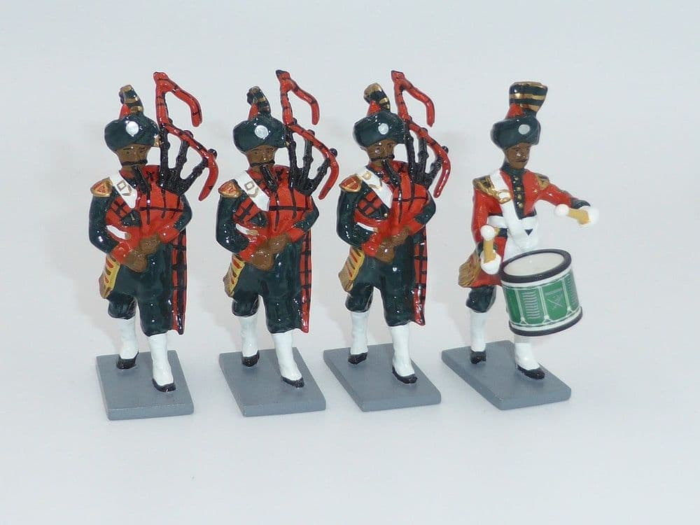 WB40306 Pakistan Army Pipes and Drums Set 3