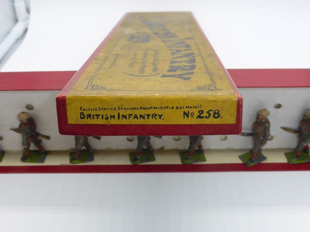 WBritain - set No.258 British Infantry in Active Service Equipment  incl Gas Masks