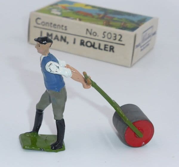 William Britain WB5032 Man With Roller