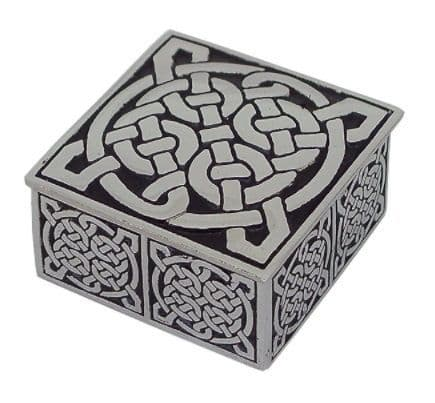Square Knot Box